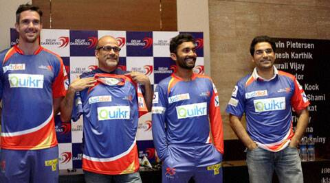 Delhi Daredevils captain K Pietersen (ext left) along with team CEO Hemant Dua and vice captain Dinesh Karthik at the unveiling of their new jersey in New Delhi on Saturday. (PTI)