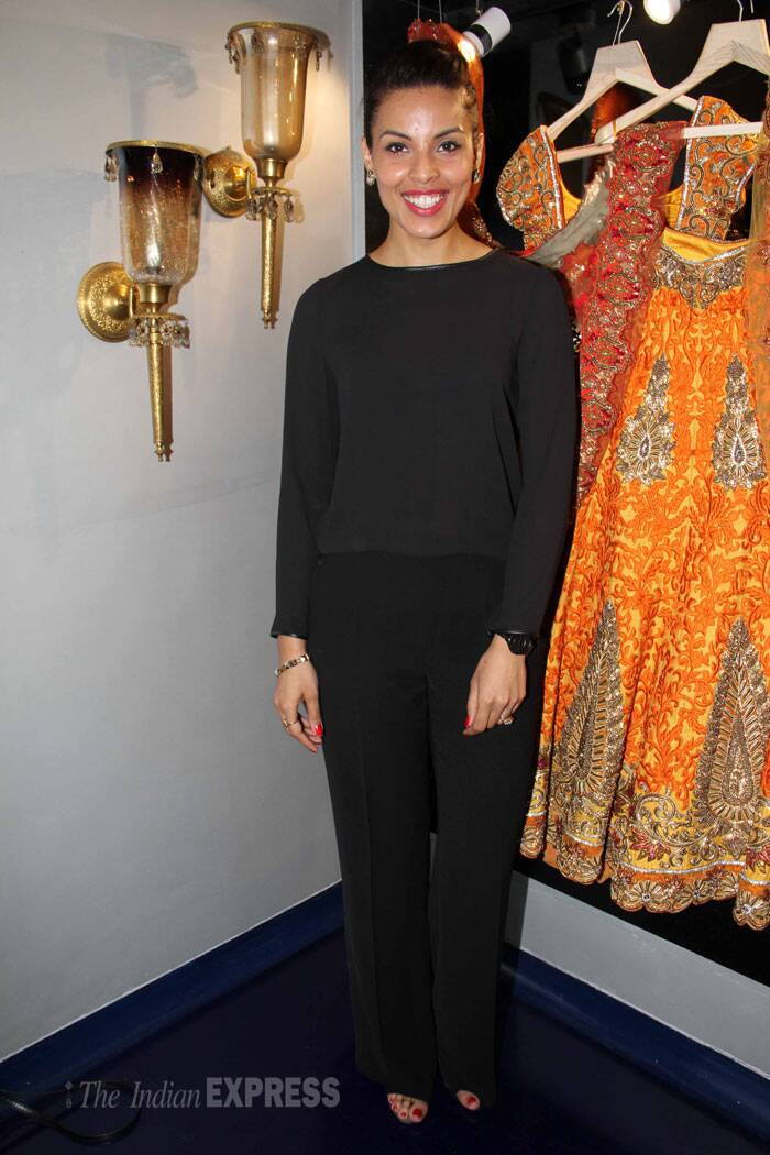 Model Deepti Gujral was also at the event in an all black outfit. (Photo: Varinder Chawla)