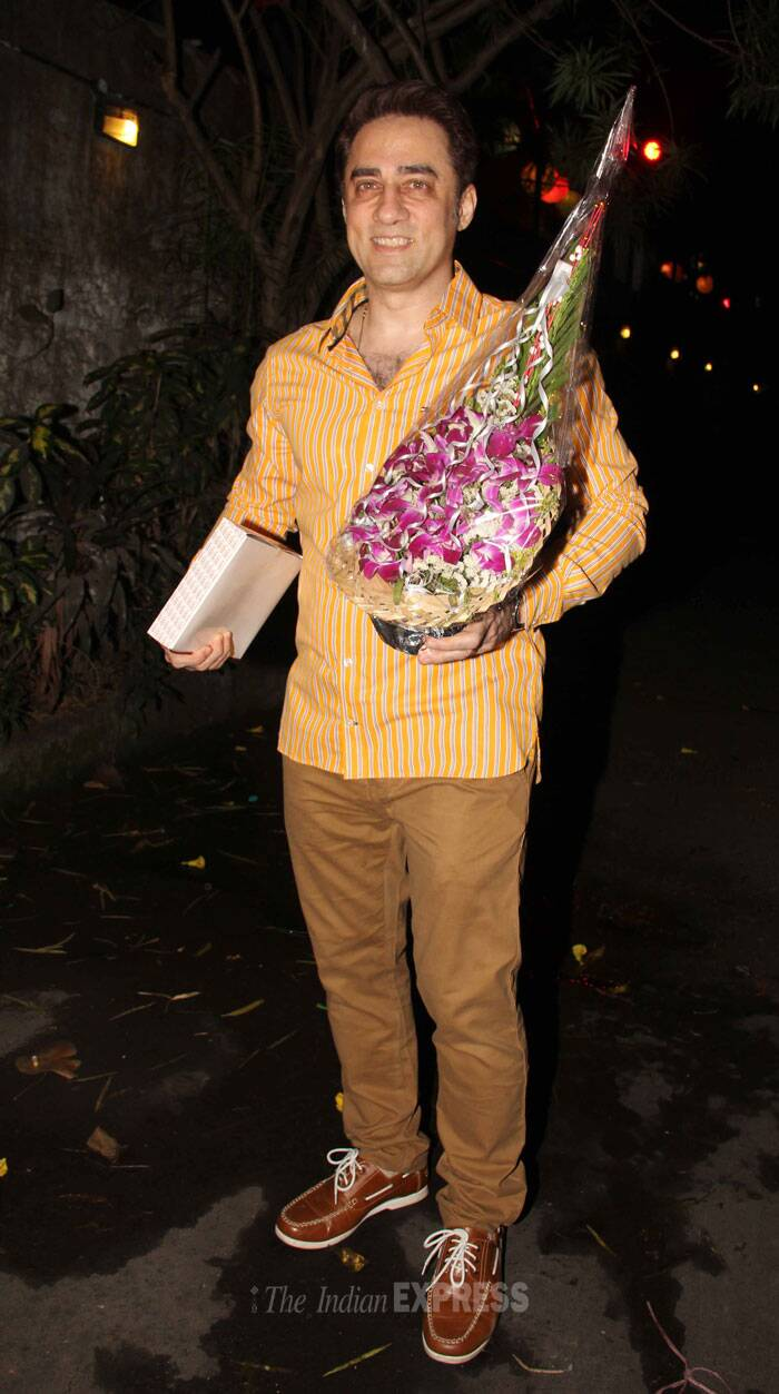 Aamir's brother Faisal Khan makes an entrance with a bouquet and a gift in hand. (Photo: Varinder Chawla)
