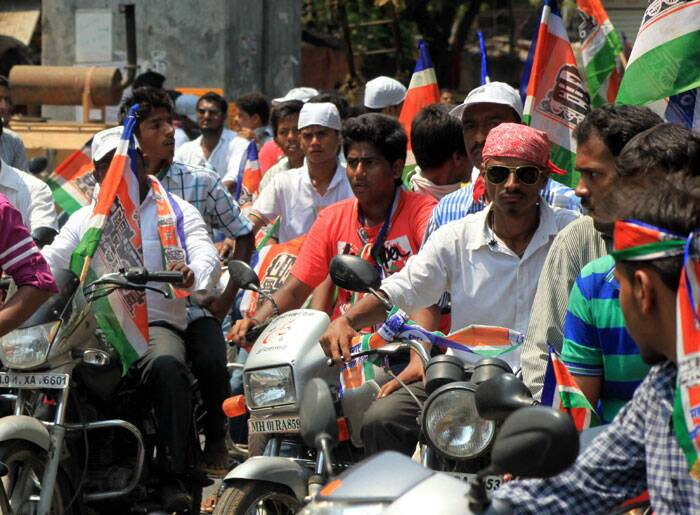 Bike rally by MNS party workers on the last day of the election campaign road show at Parel on Tuesday. Express Photo by Ganesh Shirsekar.
