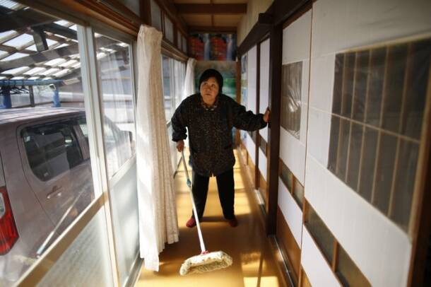 Japan lets first evacuees live in nuke no-go zone