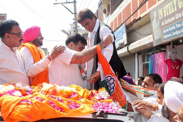 Senior Congress leader Raj Babber during the road show in Ludhiana. (IE Photo: Gurmeet Singh)