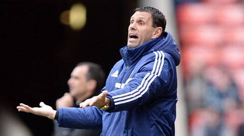 Sunderland's manager Gus Poyet reacts during their English Premier League match against Everton on Saturday. (Reuters)