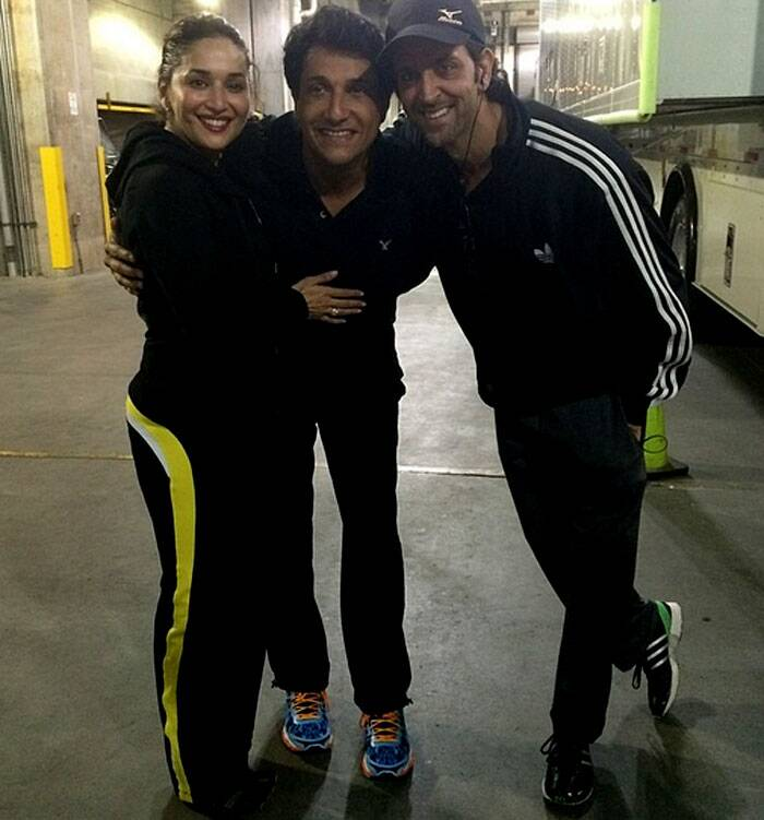 Hrithik and Madhuri cozy upto choreographer Shiamak Davar for a picture during late-night rehearsals.