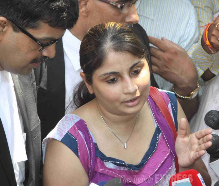 Inder's wife Pallavi is seen interacting with the media in Mumbai on Saturday. (IE Photo:  Dilip Kagda)