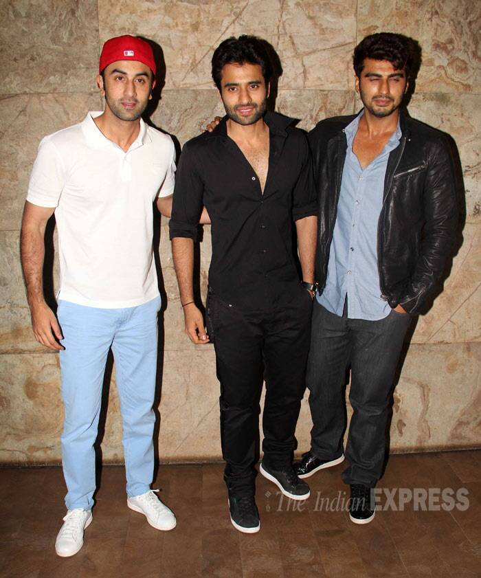 Bollywood heartthrobs Ranbir Kapoor and Arjun Kapoor stepped out for the screening of their close buddy Jackky Bhagnani's recently released 'Youngistaan'.  (Photo: Varinder Chawla)