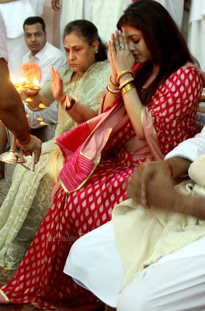 Heavily pregnant Aishwarya Rai with her mother-in-law Jaya Bachchan at Ramkrishna Mission for Durga Puja in 2011. (Express archive photo)