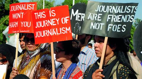 As Geo TV blames the ISI for the attack on Hamid Mir, journalists take sides.