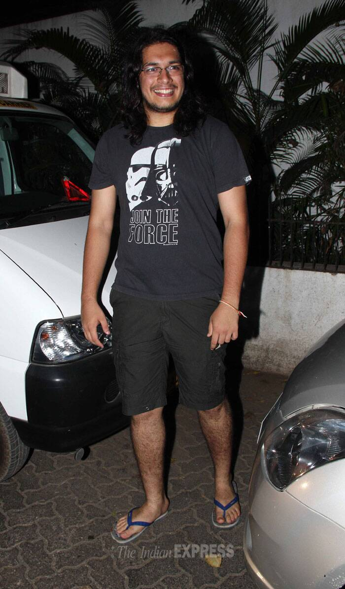 Aamir's son Junaid,  who has been assisting Rajkumar Hirani on the sets of 'Peekay', was casual in a tee shirt and shorts. (Photo: Varinder Chawla)