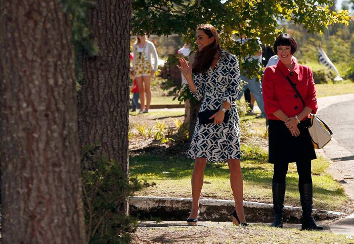 The royal couple, along with their son Prince George, are on a 10-day official visit.<br /> While in Australia, they will also visit the harborside zoo and travel to Uluru, the iconic Outback sandstone monolith that's also known as Ayers Rock. (Reuters)