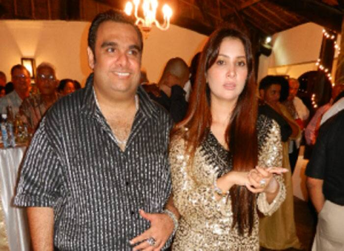 <b>Kim Sharma - Ali Punjani</b>: After dating cricketer Yuvraj Singh and being engaged to Spanish musician Carlos, Kim shocked all when she called off her engagement. She secretly tied the knot with a wealthy business tycoon from Kenya, Ali Punjani. The marriage ceremony took place in Mombasa and was attended by close friends and family.