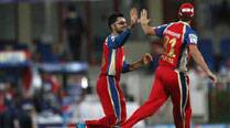 IPL 7 Live Cricket Score, RCB vs MI: MI off to shaky start against RCB