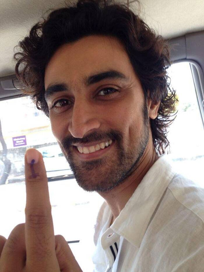 'Rang De Basanti' actor Kunal Kapoor  also voted.