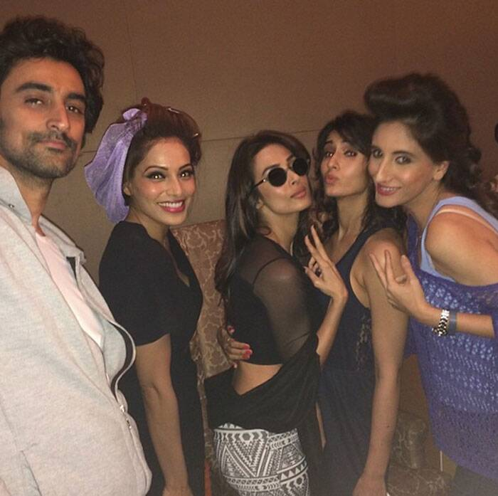 Seen here, Bipasha, Malaika and Farah pose during hair and makeup with heartthrob Kunal Kapoor. (Photo: Instagram)
