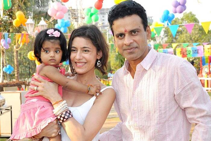 <b>Manoj Bajpai – Neha</b>: Always known to be extremely private, Manoj Bajpai married pretty actress, Neha in a private ceremony in 2005. Apparently, even his parents were unable to attend the wedding as it was a sudden decision.