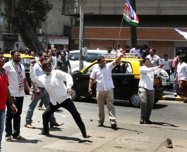 Sena-MNS workers clash as candidates file papers