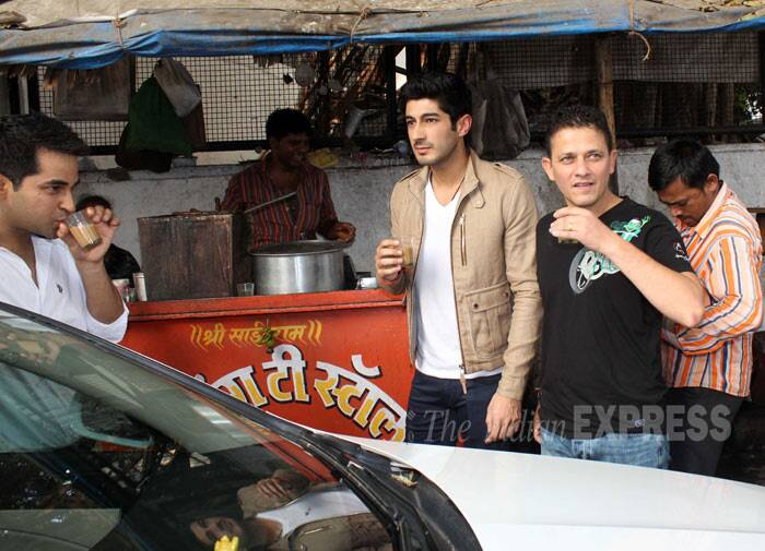 Mohit Marwah and director Kabir Sadananad enjoy some chai outside. <br /><br />Directed by Kabir Sadanand, 'Fugly' is said to be a social thriller. (Photo: Varinder Chawla)