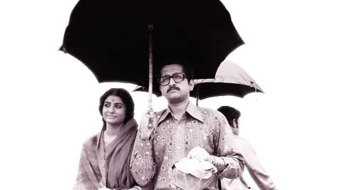 Parambrato Chatterjee as Apu and Parno as his wife