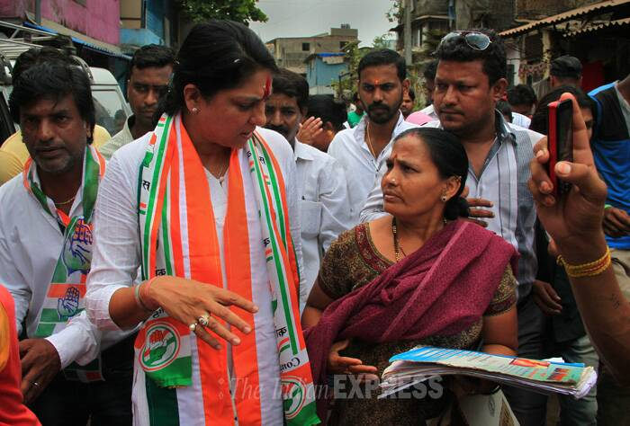Sitting Congress MP Priya Dutt, who is contesting from North Central Mumbai, today interacted with the locals during her campaign for the Lok Sabha elections 2014. (IE Photo: Amit Chakravarty)