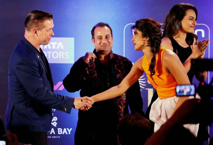 IIFA 2014 Rocks: Sonakshi, Priyanka, Bipasha, Anil woo Tampa Bay