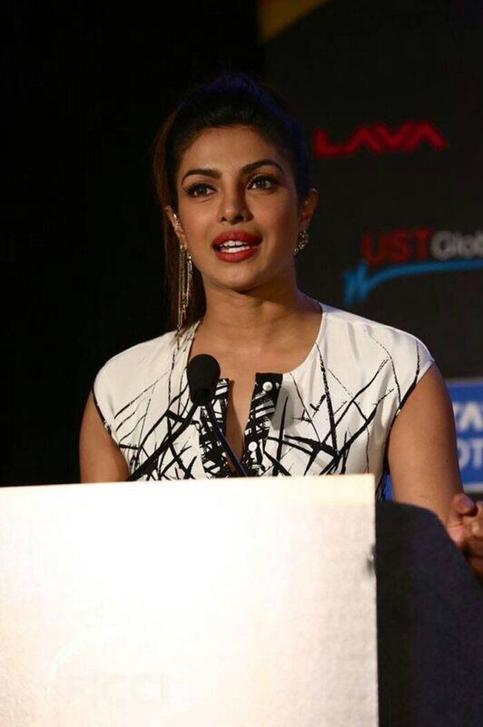 The actress was all dressed up when she addresses a conference on the importance of education for girls. (Twitter)