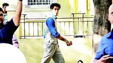 The leaked picture has Ranbir Kapoor dressed in fashion of 50s and spiky hairdo.