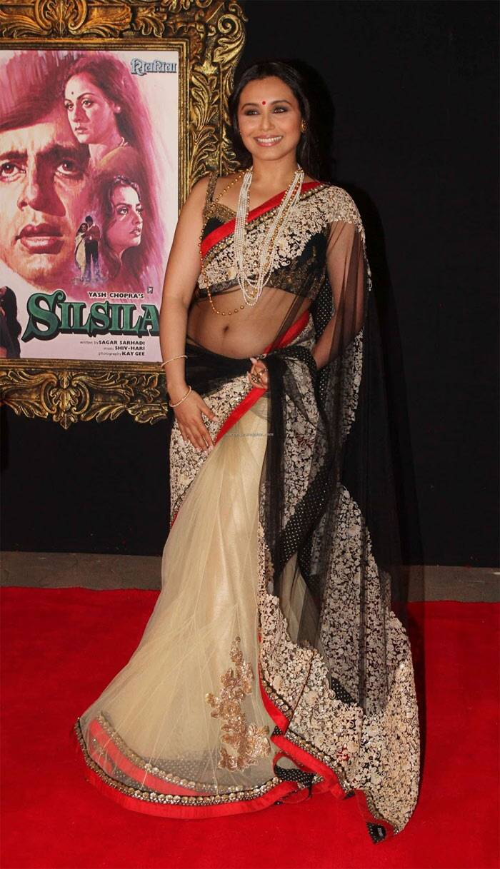 Rani picked a stunning net Sabyasachi lehenga-sari for the grand premiere of 'Jab Tak Hai Jaan' in 2012. The intricate gold work on the sari with the red border worked beautifully for the Bengali diva.