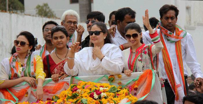 Bollywood stars continue to add the much needed colour to the otherwise vicious Lok Sabha election campaigning across India. After Sridevi, Anupam Kher and Anil Kapoor, actresses Rati Agnihotri and Bhagyashree were seen canvassing for  Congress candidate Sagar Meghe at Wardha in Maharashtra on Tuesday. (PTI)