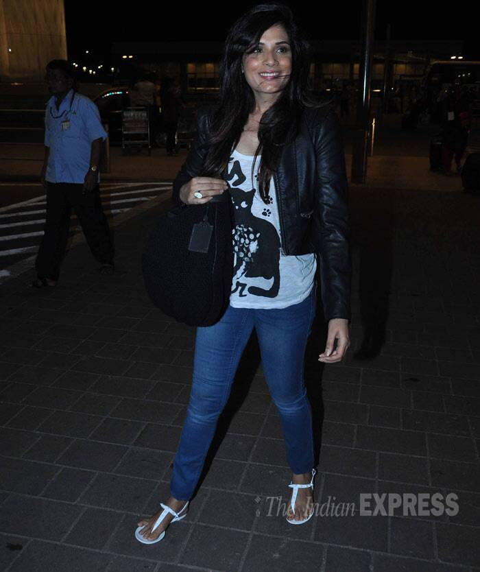 'Ram-Leela' actress Richa Chadda was all smiles looking good in a cat-print tee with a leather jacket and denims. (Photo: Varinder Chawla)