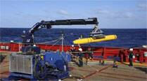 Searchers consider undersea robot in hunt forMH370