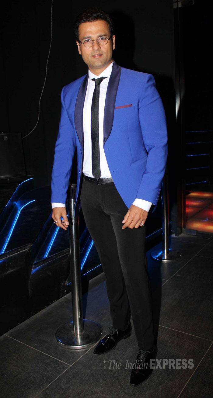 Rohit Roy was dapper in a blue suit. (Photo: Varinder Chawla)