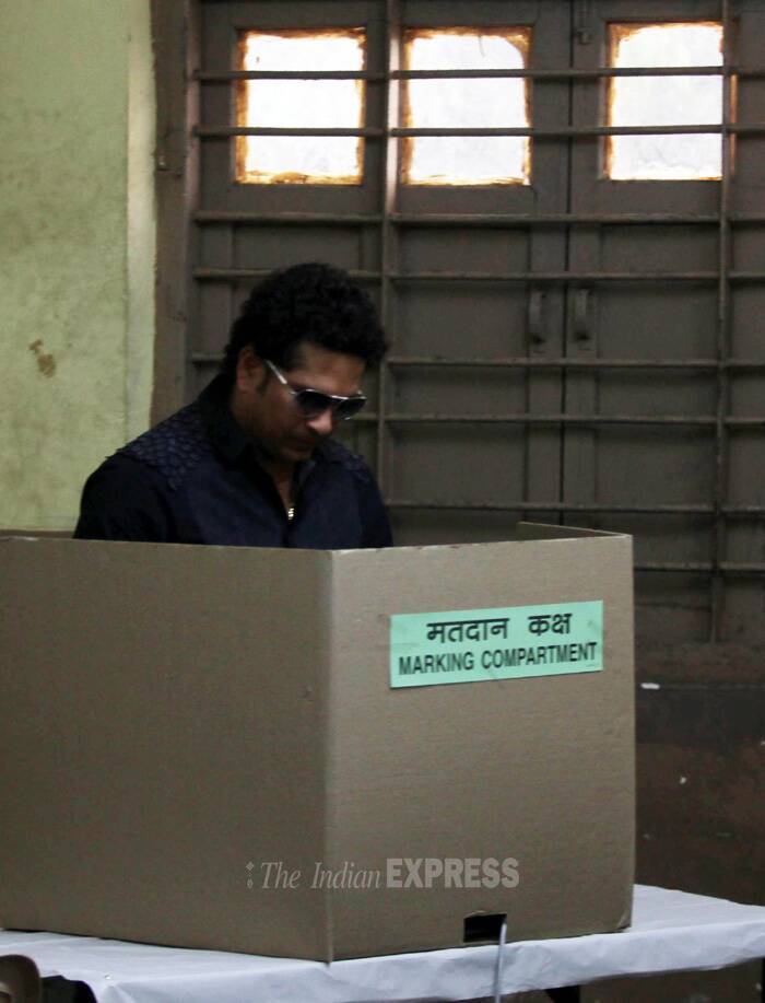 Master Blaster Sachin Tendulkar casts his vote for the Lok Sabha Elections 2014 in Mumbai on Thursday. (IE Photo: Pradip Das)