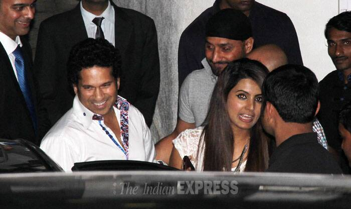 Former Indian cricketer Sachin Tendulkar and wife Anjali enjoyed a dinner outing with cricketer Harbhajan Singh and his rumoured girlfriend Geeta Basra at high-end restaurant Hakassan in Mumbai. (Photo: Varinder Chawla)