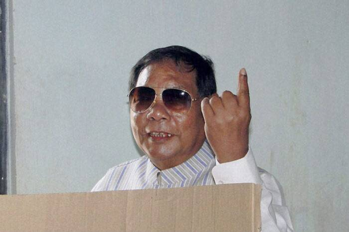 Congress, BJP, former Lok Sabha speaker P A Sangma's National Peoples Party, regional party United Democratic Party (UDP) besides independents supported by small regional parties will fight it out in a multi-cornered contest in Shillong and Tura seats. <br /><br /> Sangma shows his ink-marked finger while casting his vote at a polling station during the second phase of polling for Lok Sabha elections at Tura in Meghalaya on Wednesday. (PTI)
