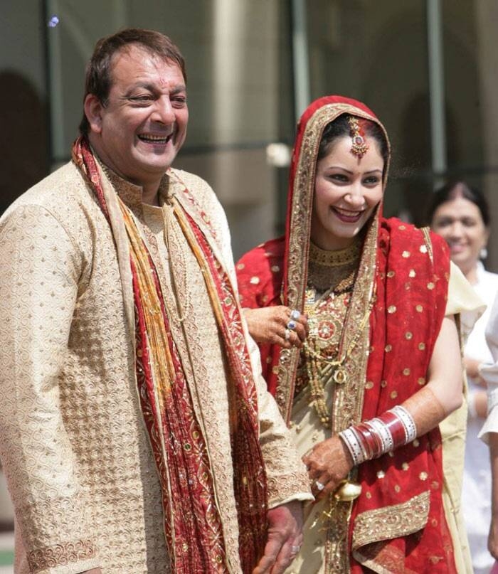 <b>Sanjay Dutt – Maanyata</b>: The couple wed in 2008 in a private ceremony in Goa after being in a relationship for two years. Previous to this, Sanjay was married to Richa Sharma who passed away in 1996. He later married Rhea Pillai in 1998, but the couple divorced in 2005.