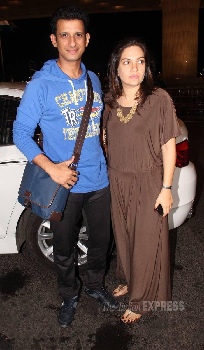 Sharman Joshi, who was last seen in 'War Chod Na Yaar', was traveling with his wife Prerna. (Photo: Varinder Singh)