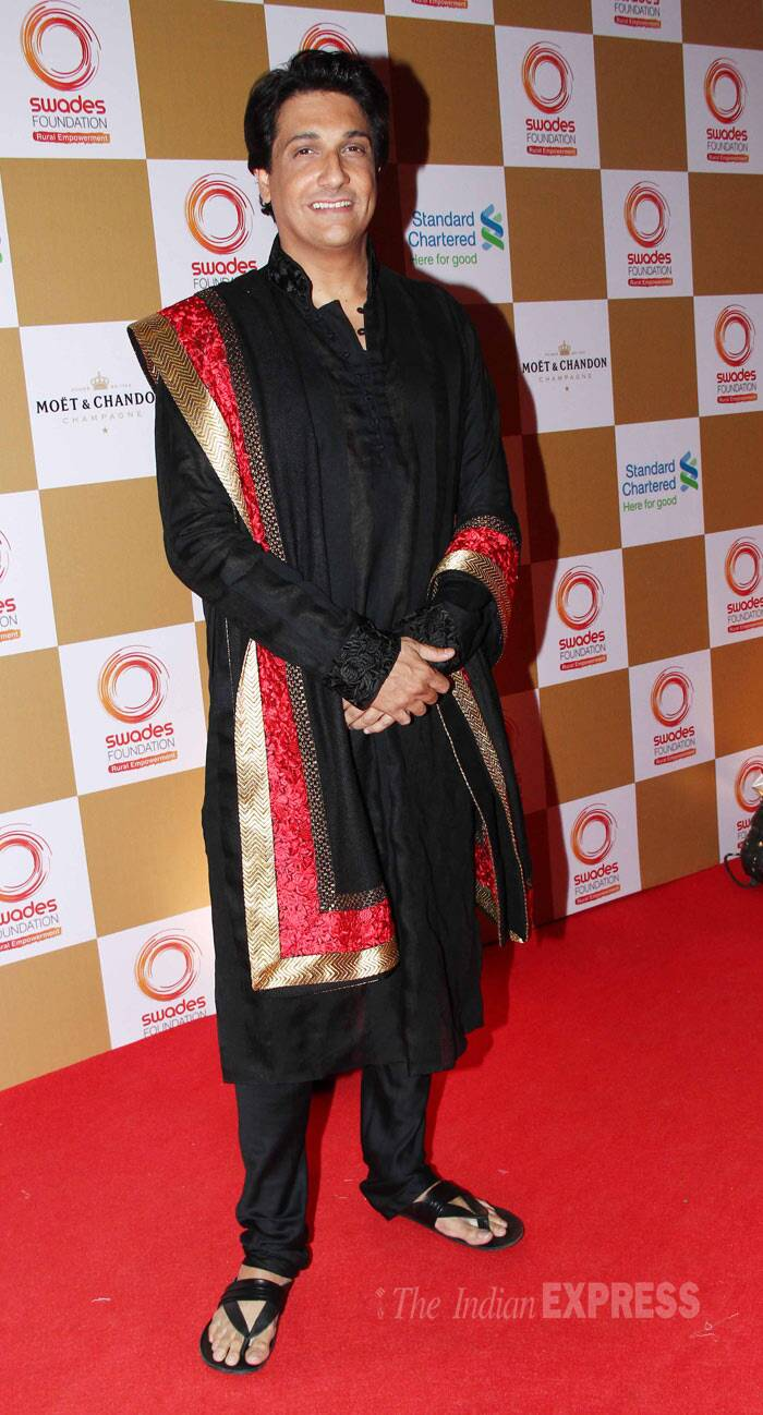 Sonakshi Sinha, Vidya Balan, Sussanne, Big B, Jaya come together for charity