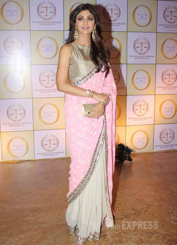 Shilpa Shetty, Raveena Tandon party together