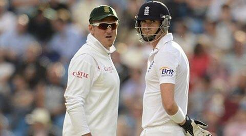 Smith, the Surrey captain, said England's leadership should have done more to keep his county team mate in the side (Reuters)