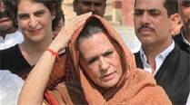 Elections 2014 LIVE: BJP, Modi represent a dangerous combo of religious fanaticism, power and money, says Sonia