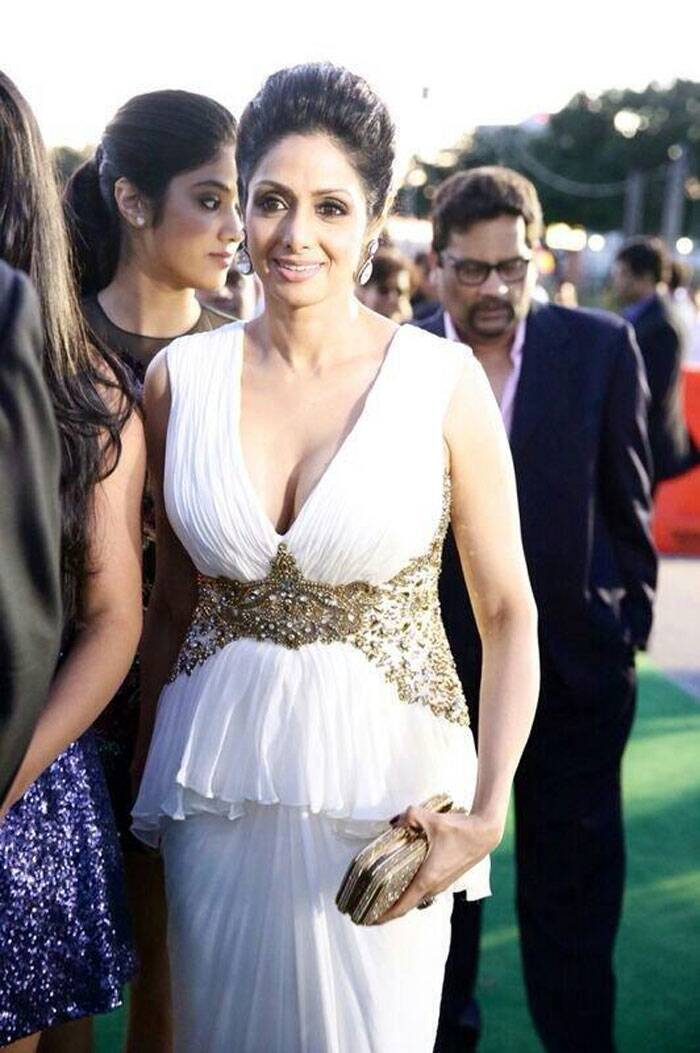 Actress Sridevi was stunning in a white Marchesa gown with a metallic clutch. (Twitter)