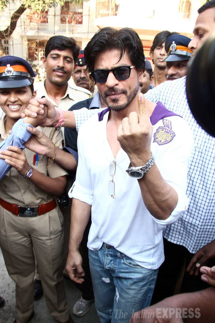 Bollywood Badshah Shah Rukh Khan posed for a picture after casting his vote during the Lok Sabha elections 2014 in Mumbai on Thursday. (IE Photo: Varinder Chawla)