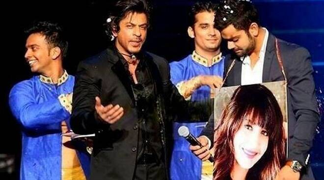 Shah Rukh Khan turns love guru for Virat Kohli