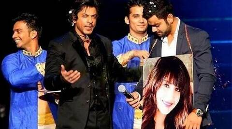 SRK took a dig at cricketer Virat Kohli, who is rumoured to be dating Anushka Sharma by conducting his 'Swayamwar'.