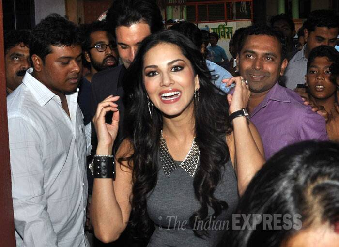 She is always a hit! Sunny Leone was thronged by fans as she made her entrance. (Photo: Varinder Chawla)