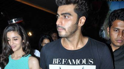 PHOTOS: Arjun Kapoor, Alia Bhatt visit movie hall, meet fans