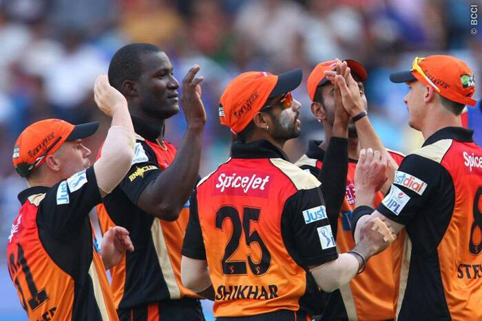 Sunrisers Hyderabad celebrate the wicket of well-settled Murali VIjay, who scored 52 runs.  (Photo: BCCI/IPL)