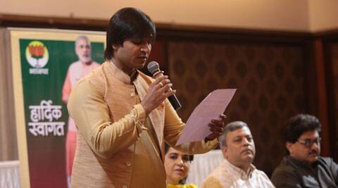 Actor Vivek Oberoi reads the appeal signed by eminent persons who came together to endorse Narendra Modi for Prime Minister ship during the press conference