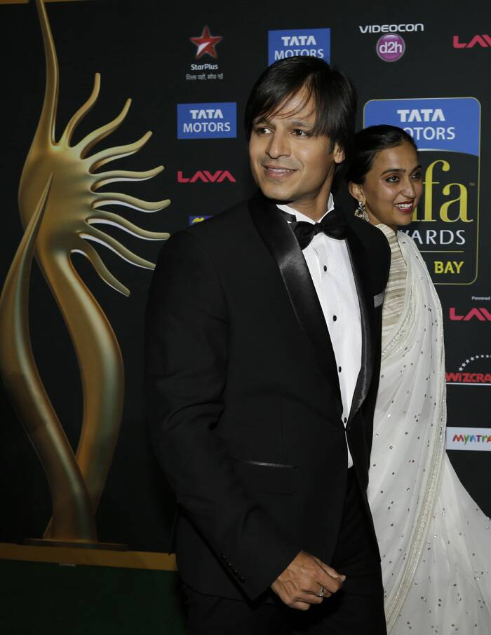 'Grand Masti' actor Vivek Oberoi came with his wife Priyanka, who opted for a Manish Malhotra sari. (AP)