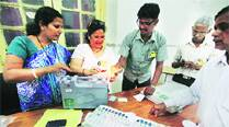 As EC website crashes due to overload, party workers use apps to locatevoters